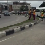 Police, LASTMA fight in Lekki Phase 1 (Video)
